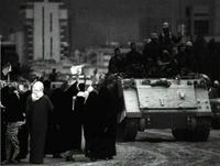 Las tropas kuwaitíes liberan la capital del emirato.