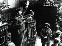 Tejero asaltó el Congreso de los Diputados en una acción insólita, cuya imagen dió la vuelta al mundo.