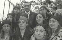 El actual primer ministro y sus seguidores.