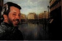 """El pintor delante de su cuadro """"La Puerta del Sol""""."""