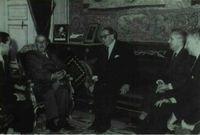 El director del Fondo Monetario Internacional, señor Jacobson, se entrevista en junio de 1959 con el Jefe del Estado. Les acompañan Alberto Ullastres, Mariano Navarro Rubio y Gabriel Ferrás.