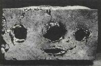 Pablo Picasso, Rostro primitivo (1936), a partir de la tapa de una caja de cartón.