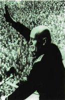 B. Mussolini.
