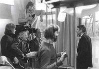 El realizador Bert Haanstra (con gafas, delante de la cámara), junto a los actores Kees Brusse (también con gafas) y Ton Lensin. <br /><br /> FOTO : Holland Film, 2003.
