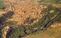 El arbolado y su papel como elemento de transición entre campo y ciudad. Vista aérea de Segovia.