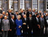 """""""Foto de familia"""" de la última """"cumbre"""" de la CEE en Dublín."""