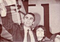 Cavaco Silva, acompañado de su mujer, celebra su triunfo electoral.
