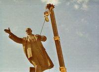 Lituania. Lenin en la cuerda floja.