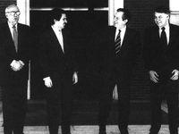 De izqda. a dcha: Leopoldo Calvo Sotelo, Jose Mª Aznar, Adolfo Suárez y Felipe González.<br /><br /> (Foto J.M. Espinosa. EFE).