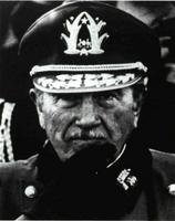 Pinochet luchará con uñas y dientes para impedir su defenestración.