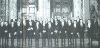 """Foto de familia de la """"cumbre"""" celebrada por la CEE en Roma (diciembre de 1990)."""