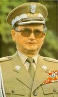 Jaruzelski, el máximo garante de la estabilidad geopolítica, no ha puesto ninguna pega a las radicales reformas del Gobierno.