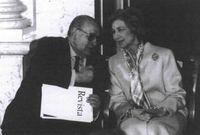 El presidente del Real Patronato de la Biblioteca Nacional durarte el acto de firma del convenio<br /><br /> con la Library of Congress de los Estados Unidos, que se celebró el 24 de febrero de<br /><br /> 2000, en presencia de Sus Majestades los Reyes.